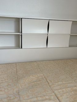 White Queen Bed With Headboard Shelves And Drawers for Sale in Garden Grove,  CA