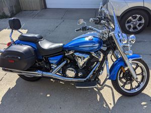 2012 Yamaha v star 950 for Sale in Chicago, IL