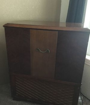Antique stand/ radio for Sale in Montesano, WA