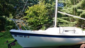 1985 MacGregor 21' Sailboat...REDUCED TO $2000 for Sale in Hartland, MI