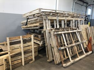 Free pallets for Sale in Streamwood, IL