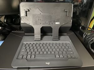 Logitech wireless keyboard case for iPad and android tablets for Sale in Pembroke Pines, FL