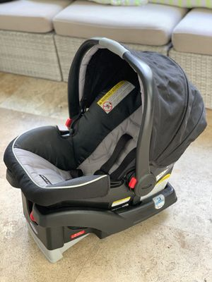 Graco SnugRide 35 Infant Car Seat/ Baby Car Seat for Sale in Miami Beach, FL