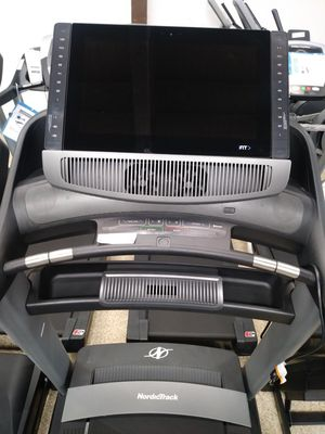 NordicTrack 2950 Treadmill for Sale in Los Angeles, CA