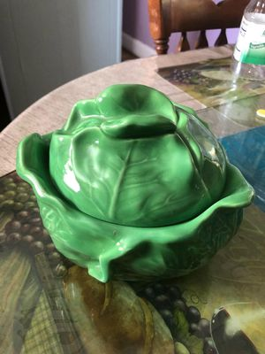 Serving Dish with lid for Sale for sale  Groveland, FL