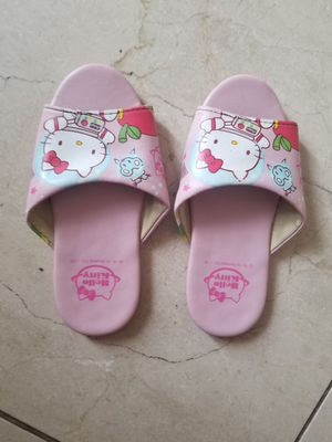 Hello Kitty House Slippers Sz 10 kids for Sale in Las Vegas, NV