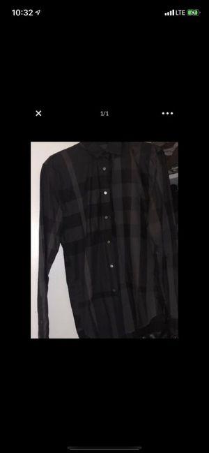Men L Burberry shirt for Sale in Philadelphia, PA