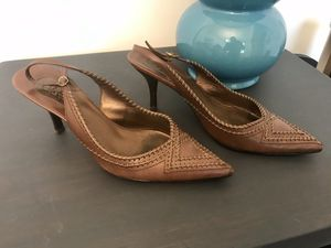 Cole Haan woman's dress shoes sz 8 for Sale in Fuquay-Varina, NC