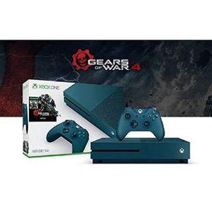 Xbox one s 500 gb 3 remotes for Sale in Peoria, IL
