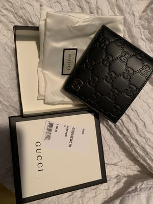Gucci wallet for Sale in Tenafly, NJ