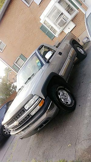 Chevy silverado for Sale in Hartford, CT