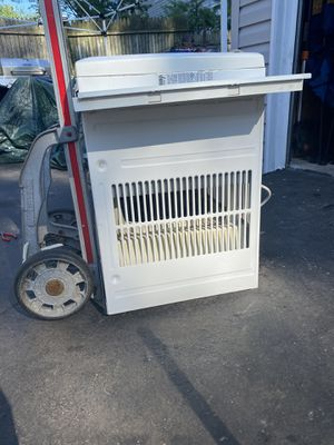 Frigrdaire AC 15000 BTU for Sale in Queens, NY