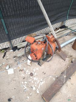 2inch Water pump brigss and Stratton motor for Sale in Las Vegas,  NV