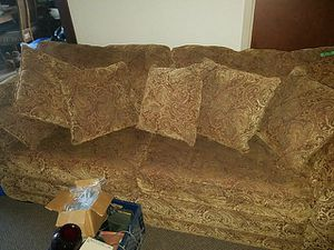Nice couch for Sale in Peoria, IL