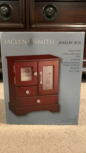 Brand New Jaclyn and Smith Jewelry Box for Sale in Nuevo, CA