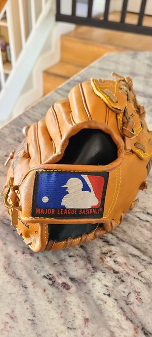Wilson MBL Baseball Gloves for Sale in Las Vegas, NV