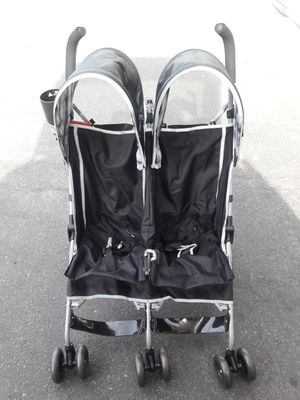 Double stroller brand new assembled for Sale in Henderson, NV