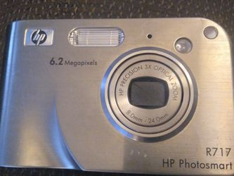 HP PhotoSmart R717 6.2 MEGAPIXELS VIDEO CAMERA WITH BATTERY for Sale in Colorado Springs,  CO