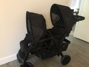 Chicco double stroller for Sale in Riviera Beach, FL