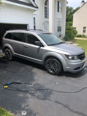 Dodge Journey for sale super clean an new for Sale in Suwanee, GA