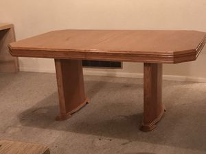 Dining room table. Seat 8 with leaf. Free you haul for Sale in Pittsburgh, PA