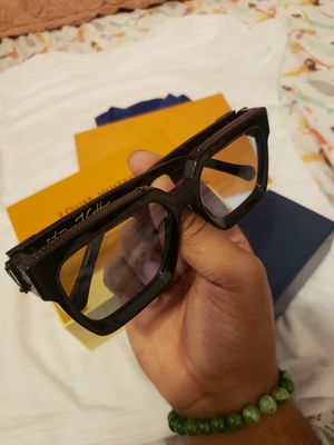 louis vuitton 1.1 millionaires black sunglasses for Sale in New York, NY