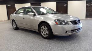 2005 Nissan altima for Sale in Decatur, GA