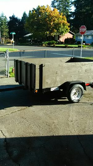 5 by 8 tilting utility trailer for Sale in Vancouver, WA