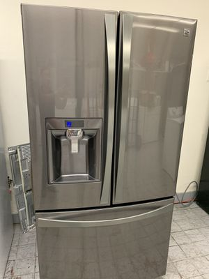 Refrigerator Kenmore elite 2017 for Sale in Rialto, CA