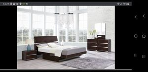 King size Modern, contemporary bedroom set. for Sale in Gresham, OR