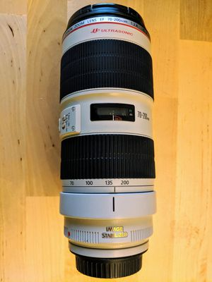 Canon EF 70-200mm f/2.8L IS II USM Lens w/ carrying case for Sale in Chicago, IL