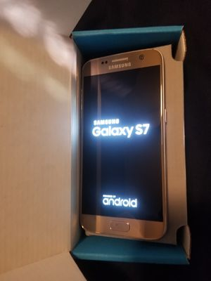 Samsung Galaxy S7 Gold Unlocked Excellent Condition for Sale in Hales Corners, WI