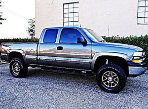 ֆ12OO 4WD Chevrolet SIlverado 4WD for Sale in Roseland, VA