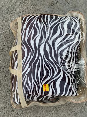 Electrical blanket for Sale in Los Angeles, CA