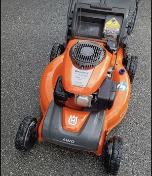 Husqvarna AWD 6.75 hp self-propelled lawn mower bagging lawnmower for Sale in Pickerington, OH
