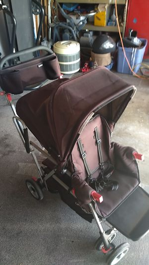 Joovy Caboose Ultralight Graphite Stroller *Missing tray* for Sale in Anaheim, CA