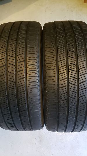Continental in good condition 2 tires 235 40-19 good tread for Sale in Trinity, FL