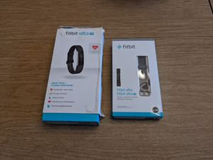 Fitbit Alta HR + extra band for Sale in Melrose Park, IL