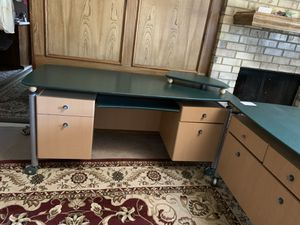 Office desk perfect condition for Sale in Plano, TX
