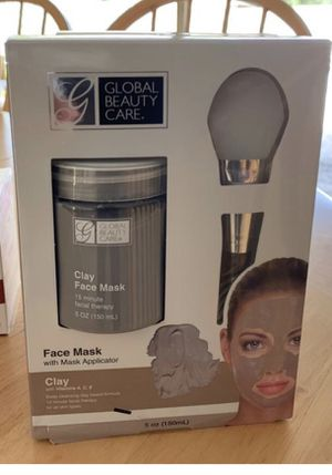 Global Beauty Care Clay Face Mask 5 oz /150 ml & Mask Applicator . Condition is New for Sale in Hollywood, FL