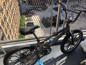 Mongoose Boy's 20-inch Radical Bike from Pacific Cycle for Sale in Queens, NY