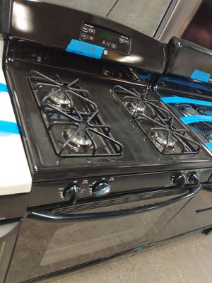 Ge gas stove in excellent condition w/4 months warranty for Sale in Baltimore, MD