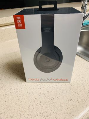 Brand new Beats wireless noise cancelling studio 3 for Sale in Marina del Rey, CA