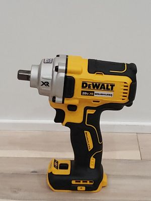 NEW DEWALT DCF894 1/2. BRUSHLESS IMPACT WRENCH!!! for Sale in Chicago, IL
