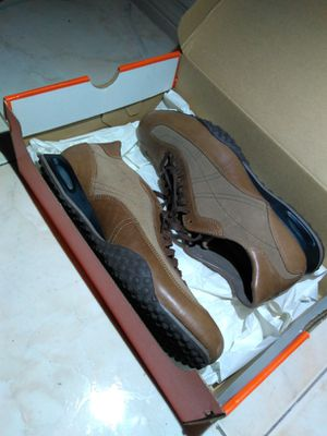 Cole Haan 7.5 w Nike air trail hiking shoe for Sale in Las Vegas, NV