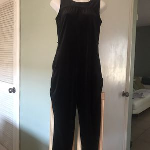 FIRM XMAS 🎁Like New XL VELOUR GIRLS JUMPSUIT for Sale in Rialto, CA