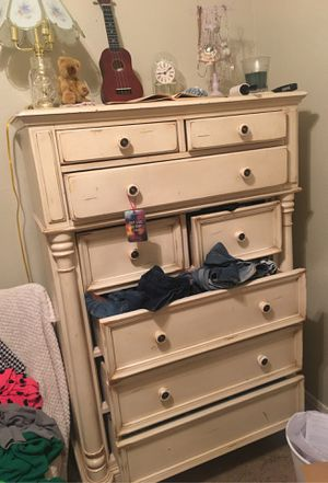 Antique creamy white dresser for Sale in Mesa, AZ