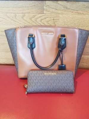 Michael Kors purse and wallet for Sale in Highland, CA