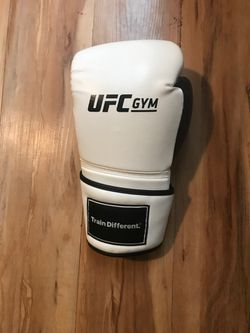 Ufc Boxing gloves for Sale in San Diego,  CA