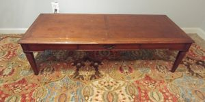 Light Coffee Table Vintage Antique for Sale in Pine Lake, GA